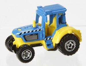 Y0843_MB703_Tractor0026