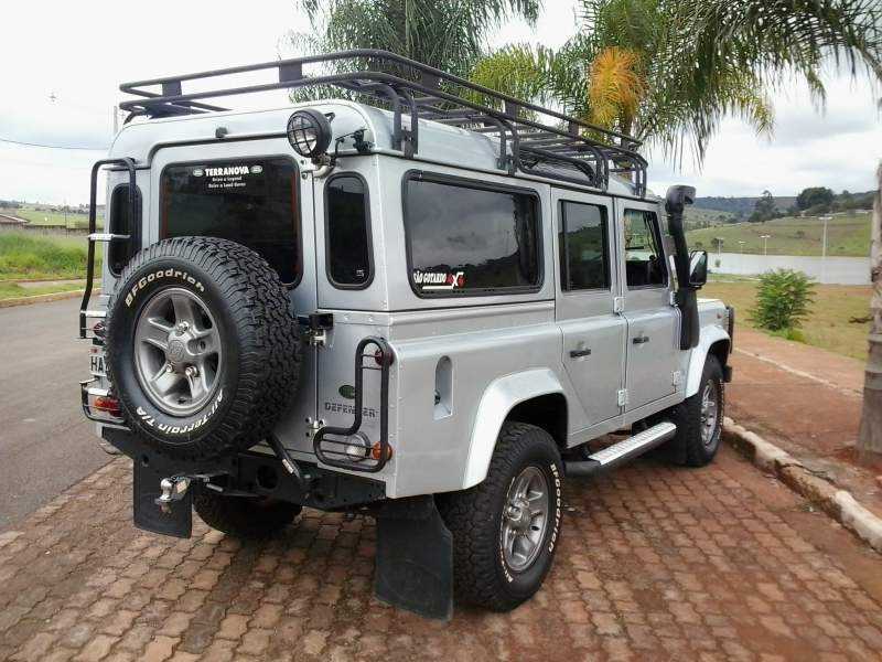 Defender 110 Expedition Roof Reck (Hevy). Picture from www.4x4brasil.com.br. Thank you!